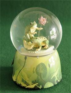 Frogs Waterglobe