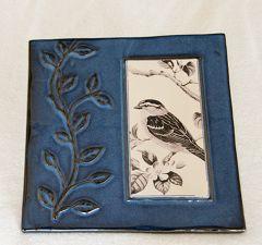 Ceramic Sparrow Garden Wall Plaque (Blue Border).