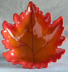 Oak Leaf Accent Bowl