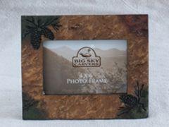 Pinecone Stonecast Frame