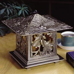 Oak Leaf Tea Lantern (French Bronze)