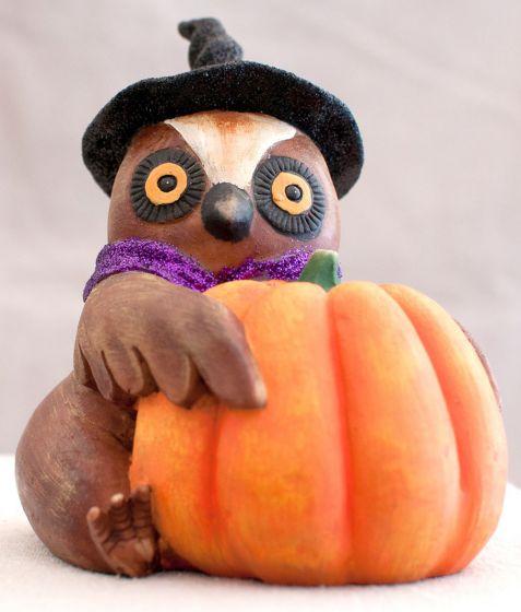 Halloween Owl Figurine (With Pumpkin).