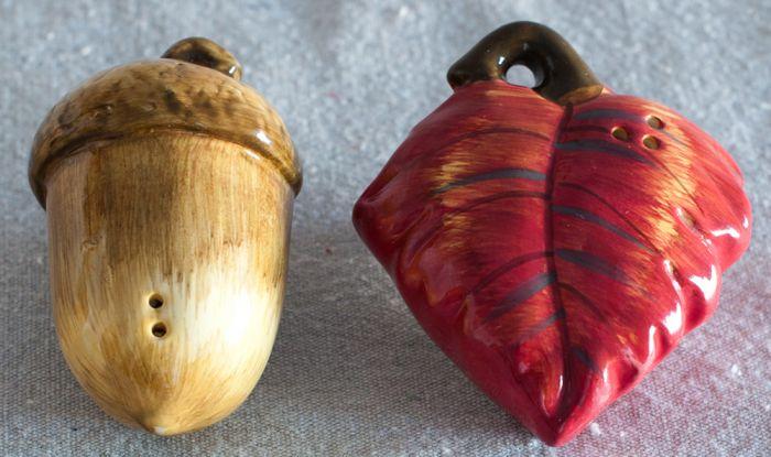Acorn & Oak Leaf Salt & Pepper Shaker Set