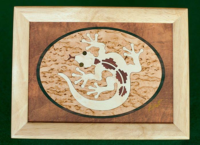 Gecko Wood Box (6 X 8)